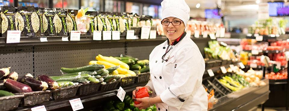 Sendik's Associate Angie Vega with Produce